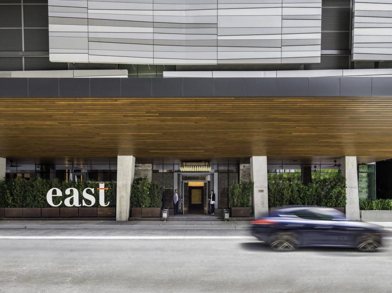 HotelEntrance - EAST Miami, el alojamiento de lujo que permite vivir bonito de manera responsable