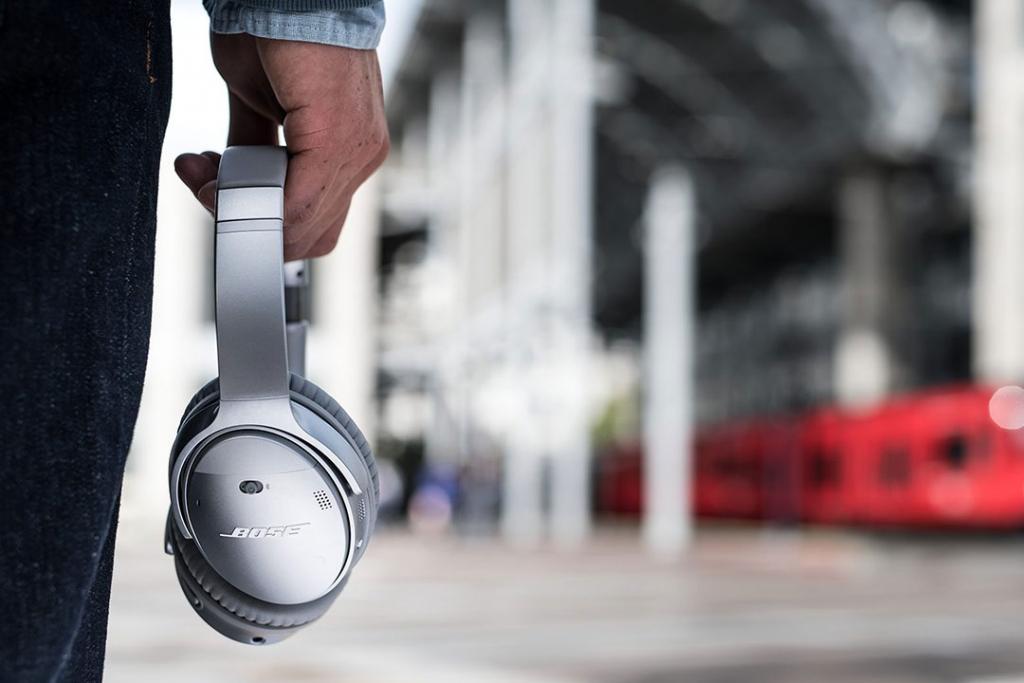 hp1 1024x683 - Cuatro headphones ideales para viajeros