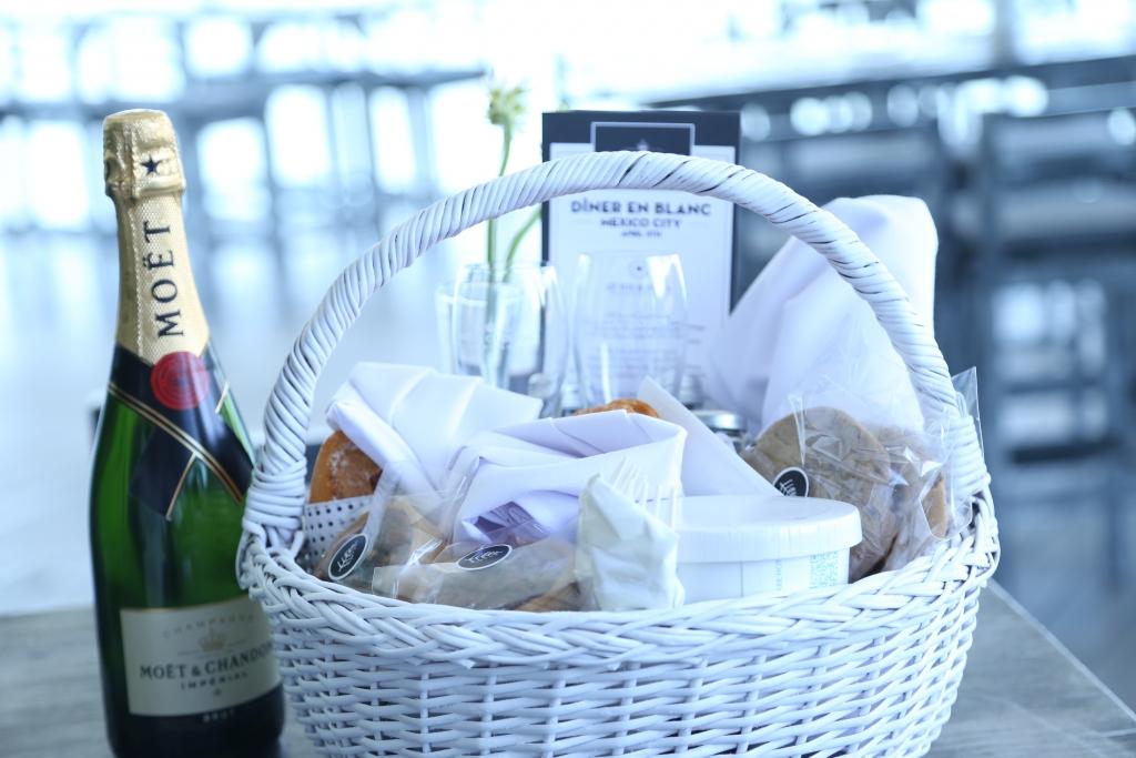 IMG 4181 1024x683 - Le Dîner en Blanc, la cena que vistió de blanco Chapultepec