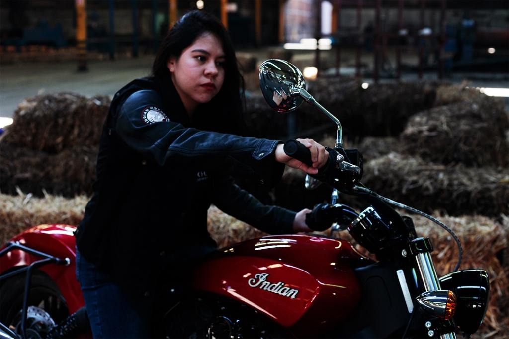 indian4 1024x683 - ¿Por qué todas las mujeres deberían atreverse a conducir una motocicleta?