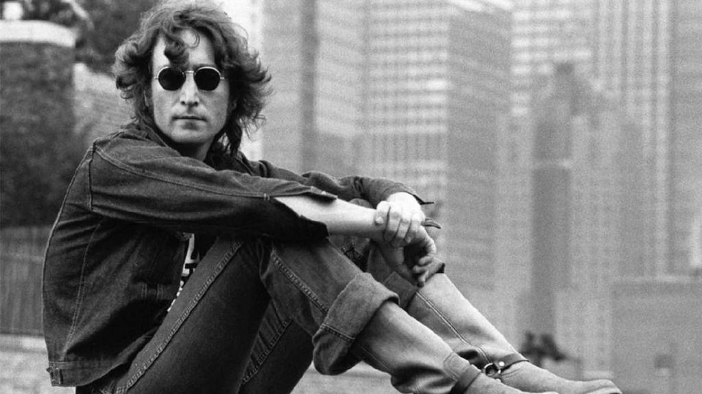 jl6 1024x575 - Este era el auto favorito de John Lennon