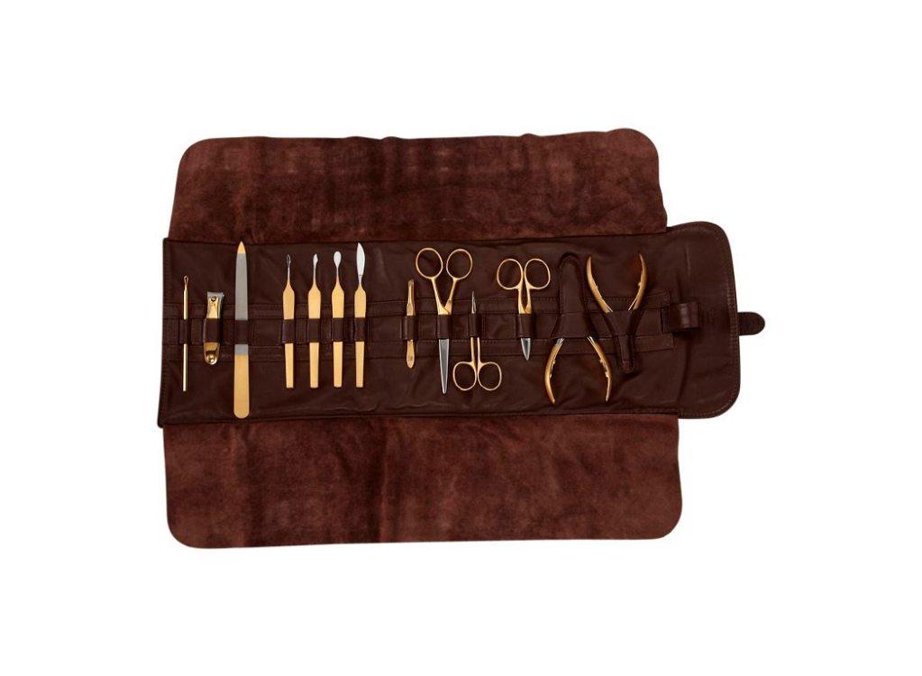 El lujoso kit de manicure de oro de 24 quilates