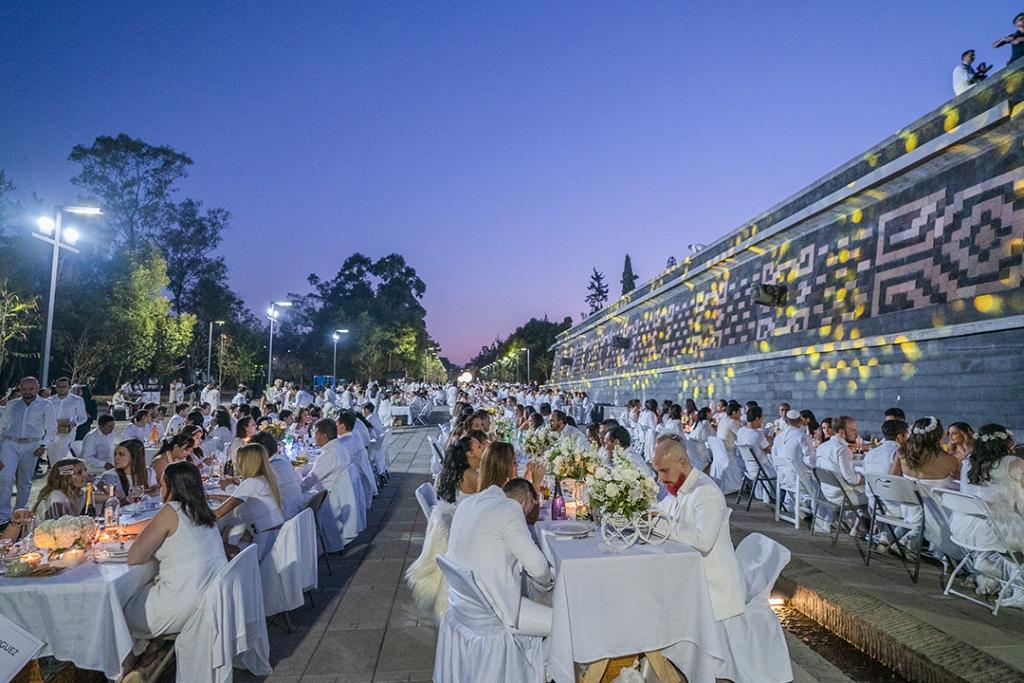 moetportada 1024x683 - Le Dîner en Blanc, la cena que vistió de blanco Chapultepec