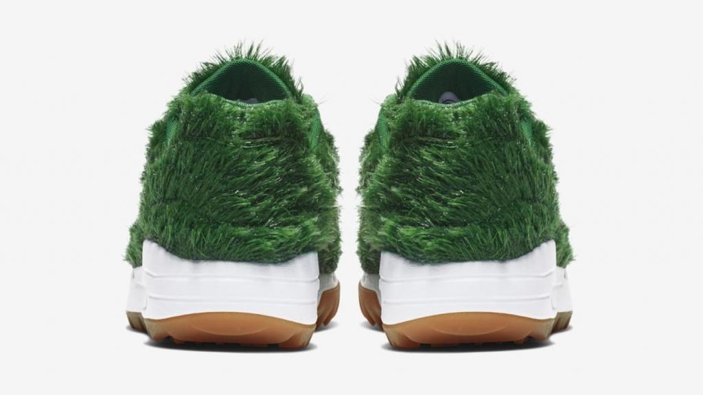 nike air max 1 golf grass heel 1024x576 - Air Max 1 Golf, los tenis para golfistas hechos de césped artificial