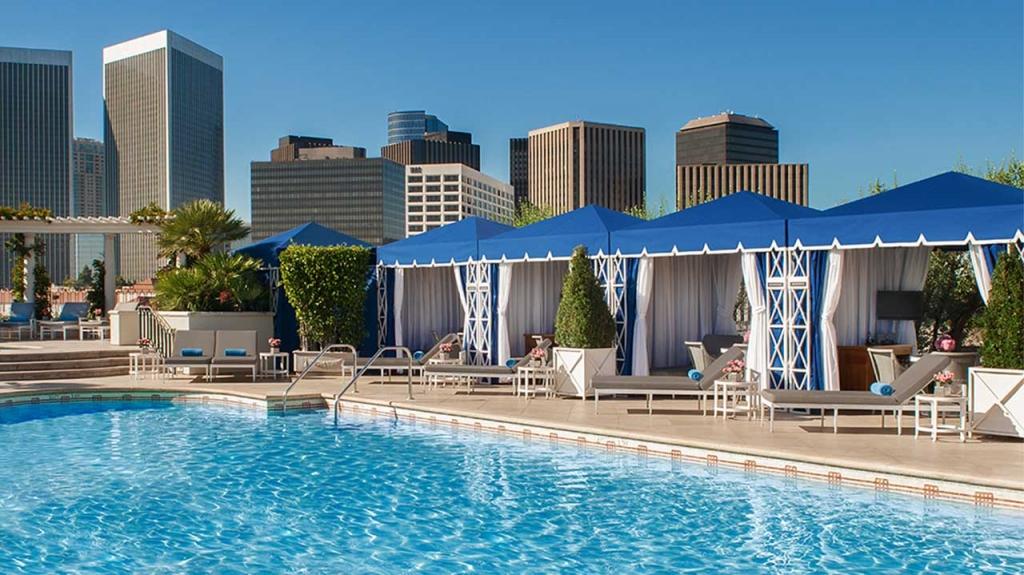 PBH Roof Garden Pool Day Leaderboard 1024x575 - ¿Viajas a Los Ángeles? Hospédate en estos hoteles y siéntete una estrella