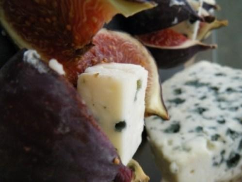 queso azul 1 300x225 - El verde marcará tendencia en Millesime GNP 2017