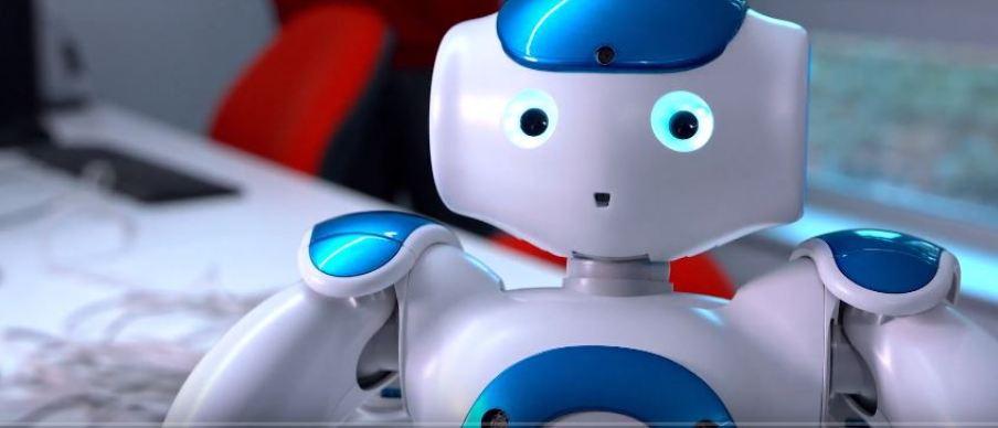 robbie1 - Este robot fue 'obligado' a ver Friends horas y horas por una buena causa
