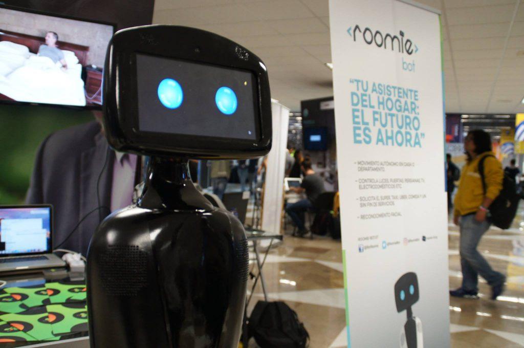 Conoce el robot mexicano que llegará a controlar tu hogar el próximo año