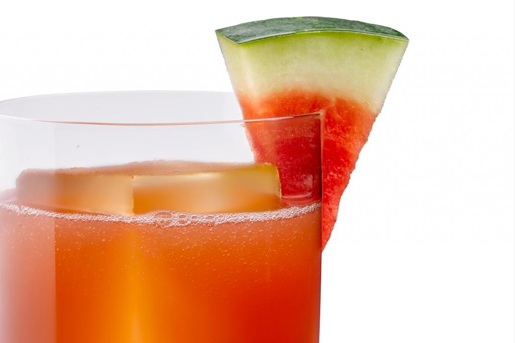 Sandi%CC%81a Fresca 1024x683 - Lúcete esta navidad con estos cócteles preparados con Tequila Herradura
