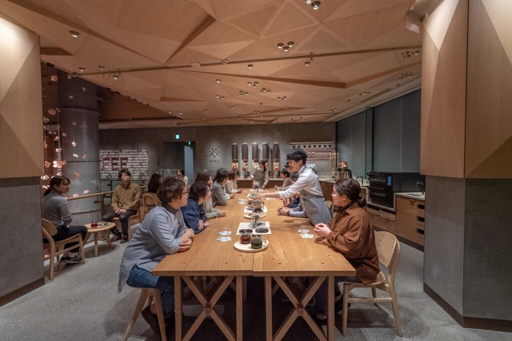 SBX022519 Tokyo Roastery Opening 1 1024x683 1024x683 - Starbucks tendrá en Tokio su exclusivo Reserve Bar más grande del mundo