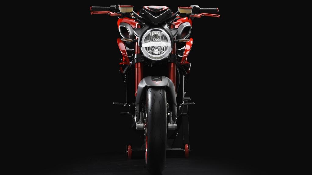 sites default files bikes 1390 8506280 ok 1024x576 - MV Agusta Brutale 800 RR LH 44 by Lewis Hamilton