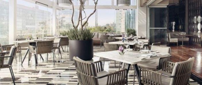str1735re 228493 Diana Restaurant Terrace Med cropped - Celebra a mamá como se merece en St. Regis Ciudad de México