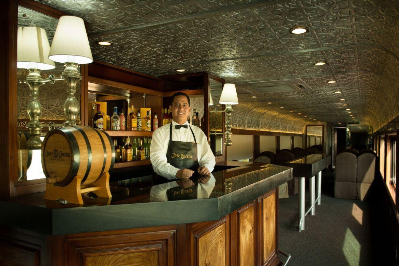 Tequila Espiritu de Mexico Jose Cuervo Express bar - Podrás tomar todo el tequila que puedas en el José Cuervo Express