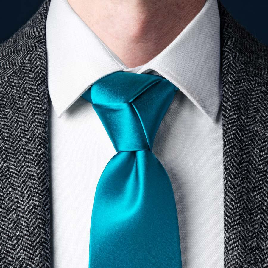trinity knot - 5 nudos de corbata que debes conocer si quieres presumir de tu estilo