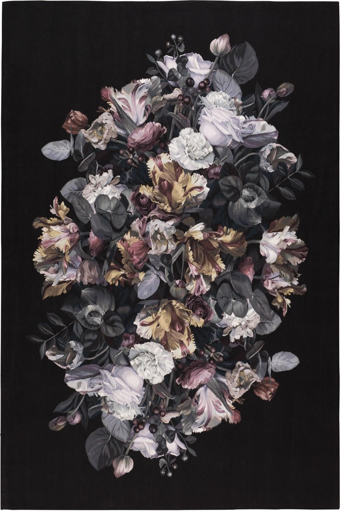 unnamed 7 - Chiaroscuro, el insólito tapete de Alexander McQueen