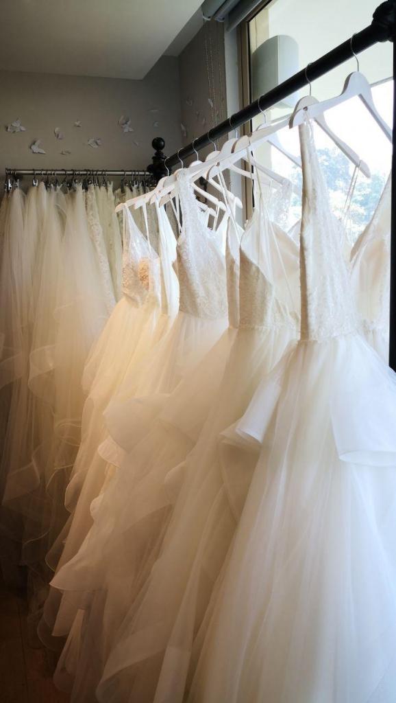 vestidos2 578x1024 - Tul ē Blanc, el lugar perfecto hasta para Bridezillas