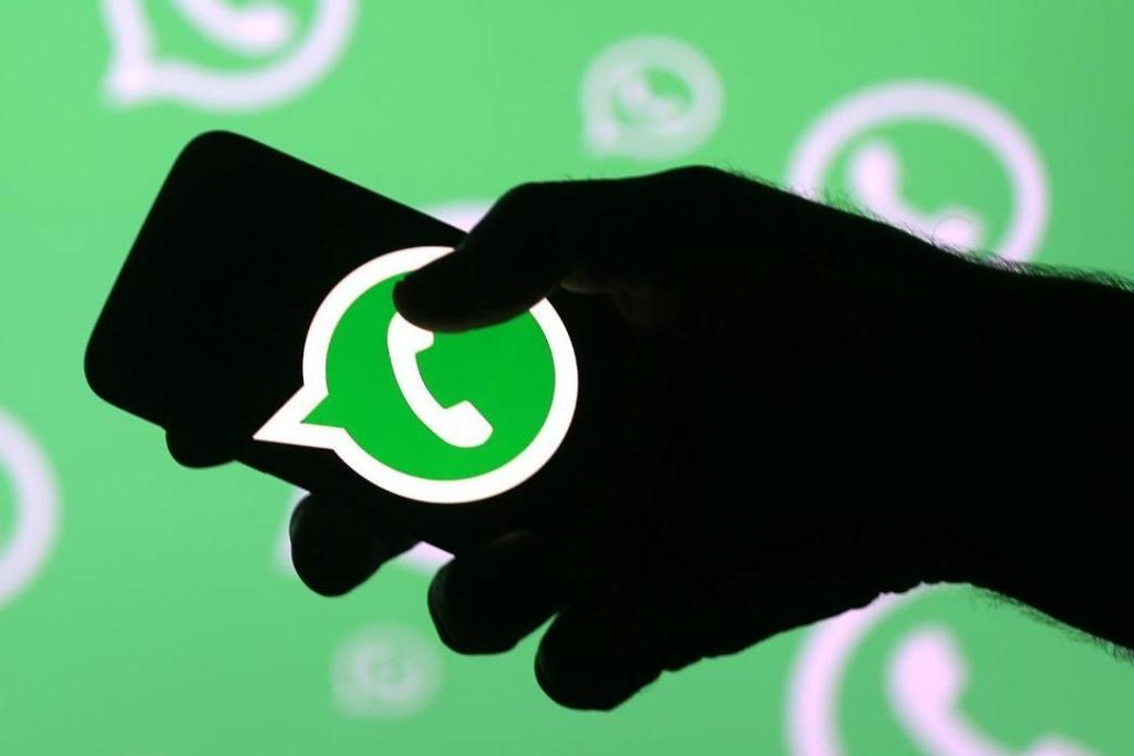 Aplica el ghosting con Flychat, la app que permite ocultarte en WhatsApp