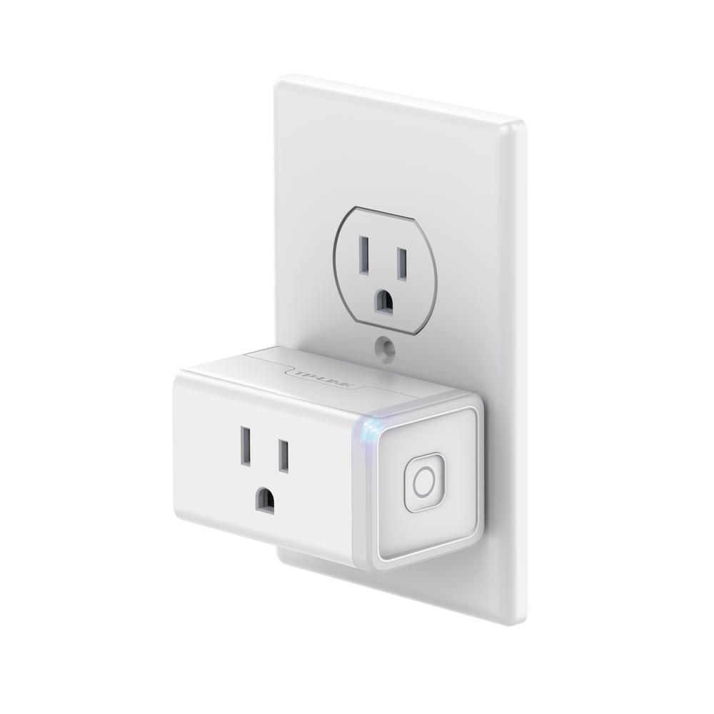 white tp link plug adapters hs105 64 1000 - Siete gadgets para volver a tu hogar una casa inteligente