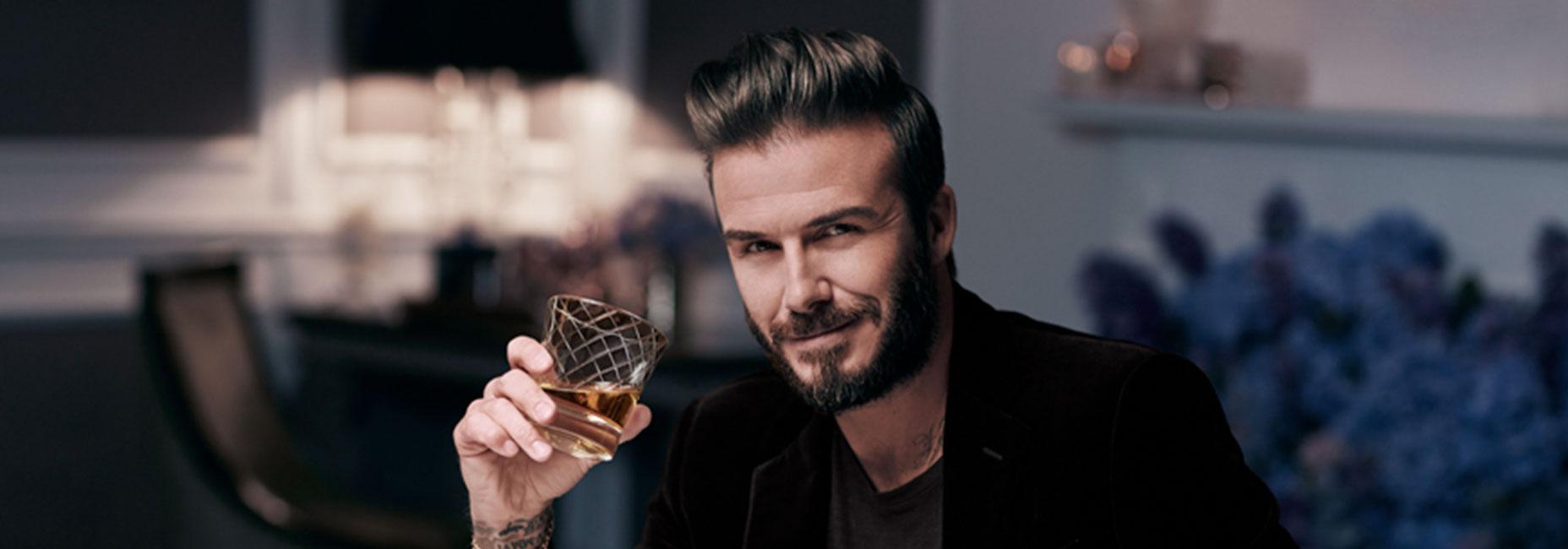 3 celebridades que tienen su propia marca de whisky y no lo sabías