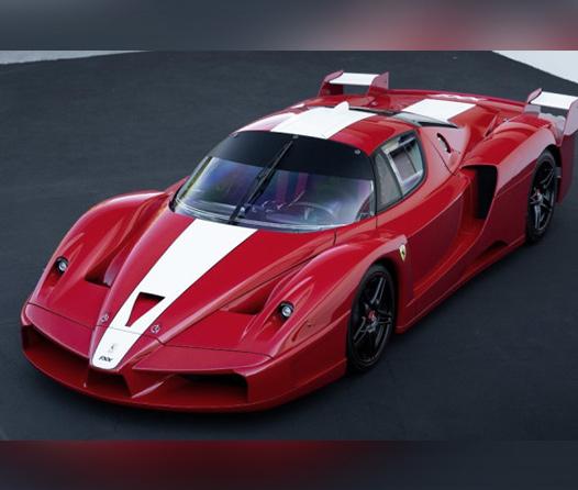 Este único Ferrari FXX  podría venderse por tres mdd en subasta