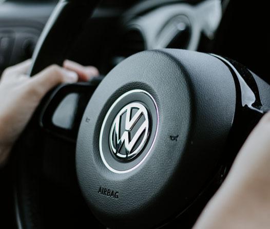 Volkswagen cambiará de look… comenzando por su logotipo