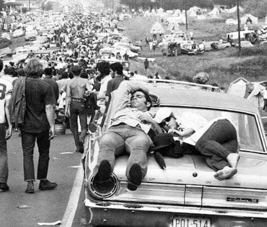 La historia detrás de la kilométrica caravana rumbo al Festival de Woodstock