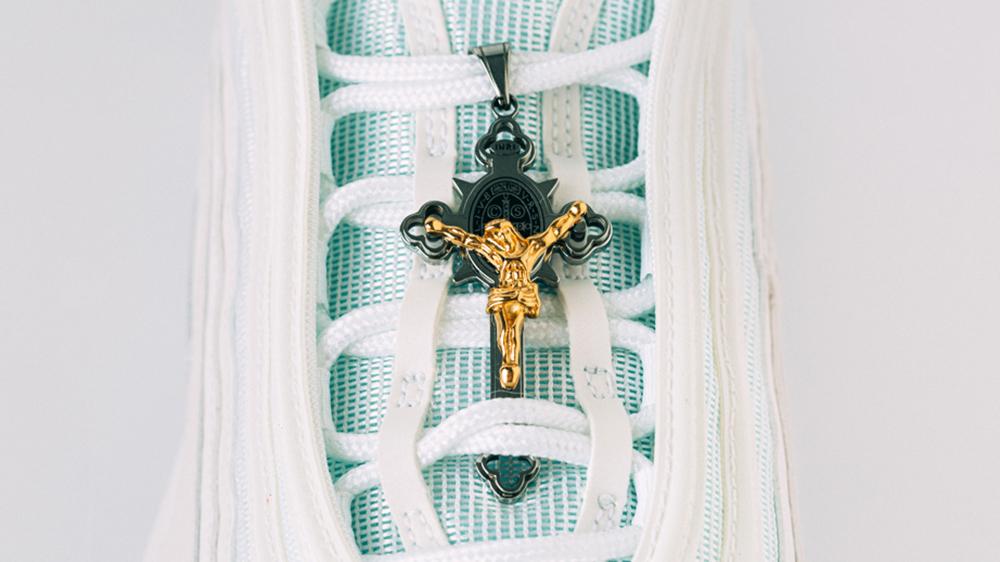 Personalizan unos Nike Air Max 97 y los bautizan 'Sneakers de Jesús'