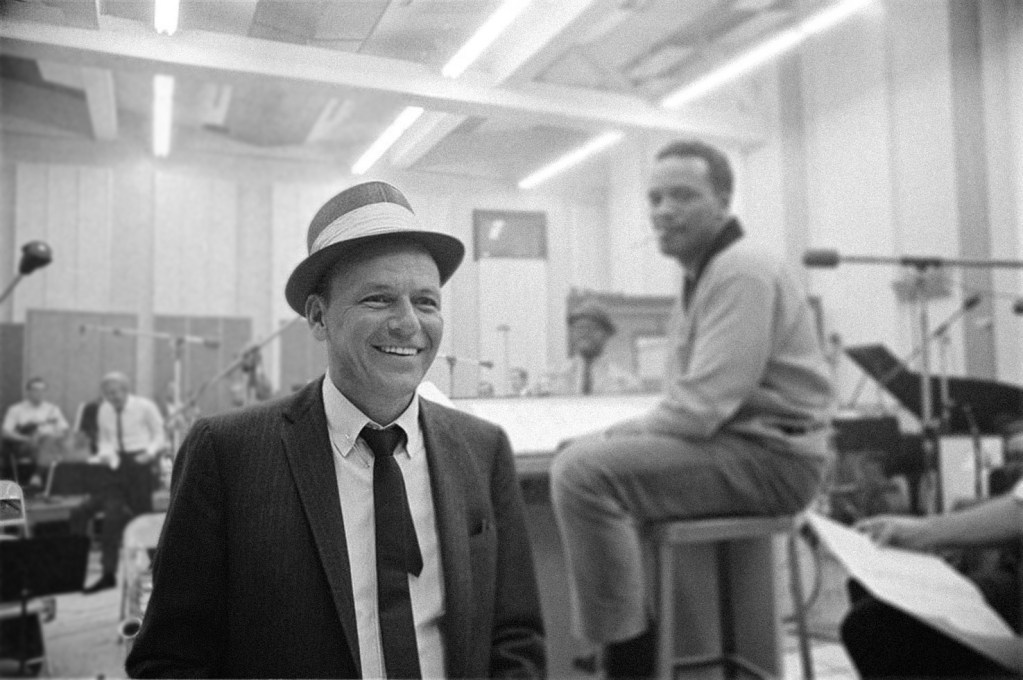 Celebra el cumpleaños de Frank Sinatra con una copa de su bebida favorita