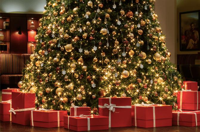 Estos son los árboles de Navidad de las marcas de moda más lujosas del mundo