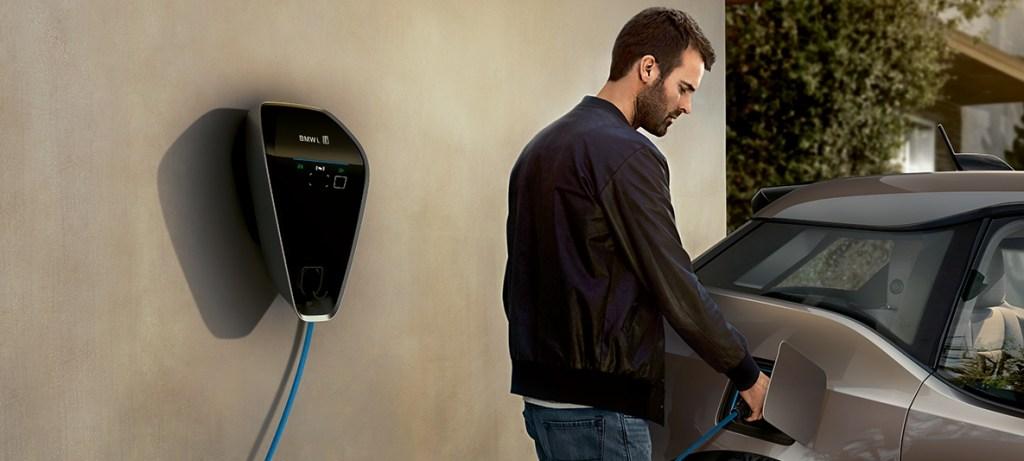 BMW sigue apostando a la era de electrificación con nueva serie 7