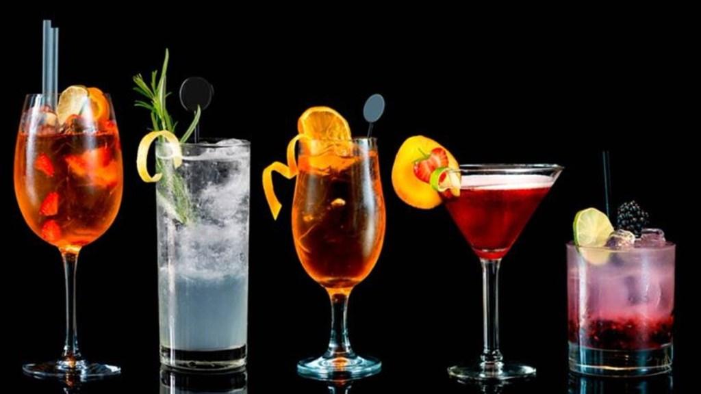 5 cócteles fáciles de preparar para el happy hour entre semana