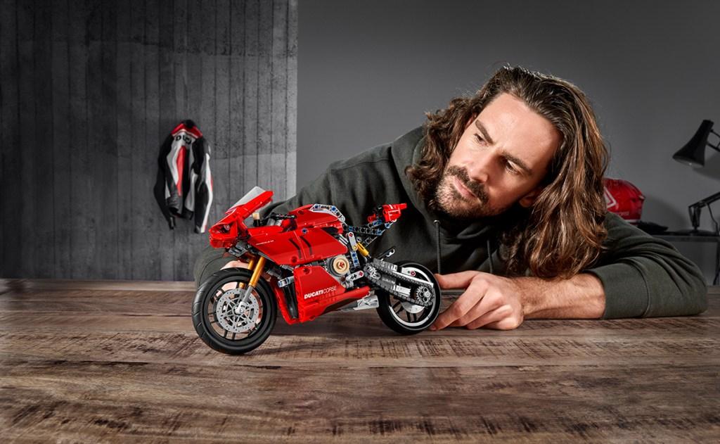 LEGO presenta Ducati Panigale Technic, el set perfecto para bikers
