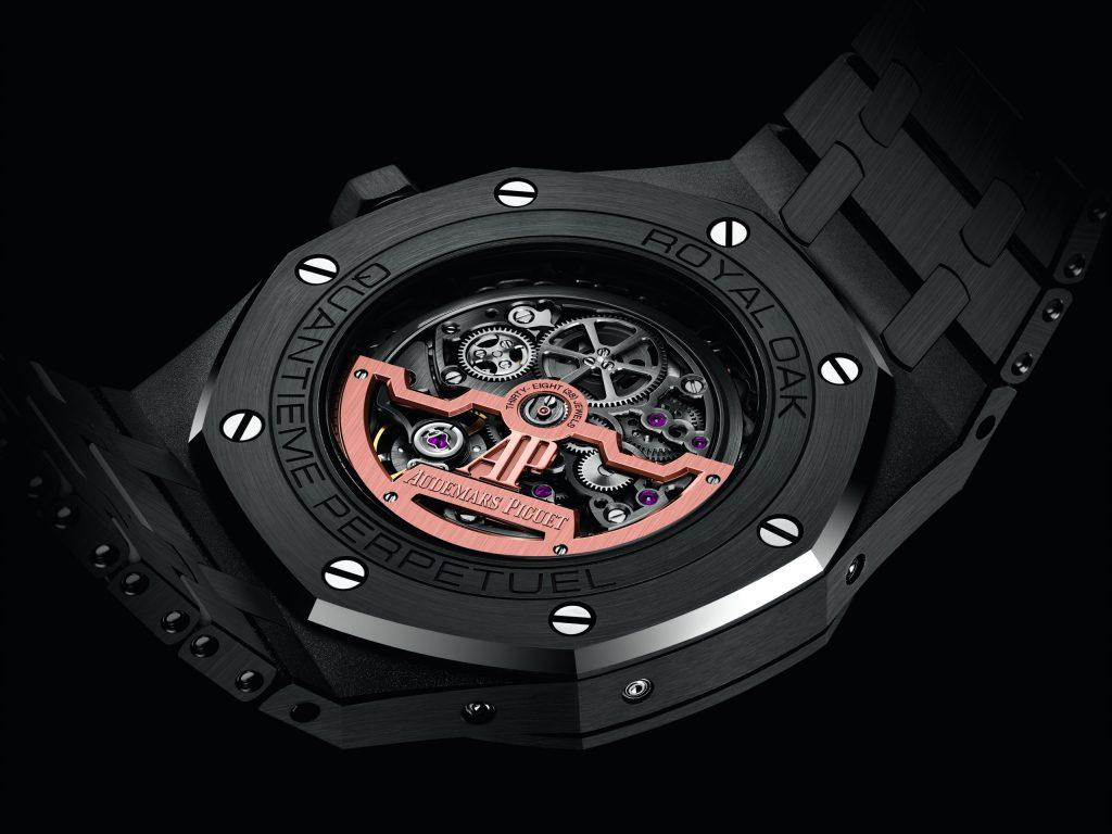 Este imponente reloj Royal Oak de Audemars Piguet es una gema negra