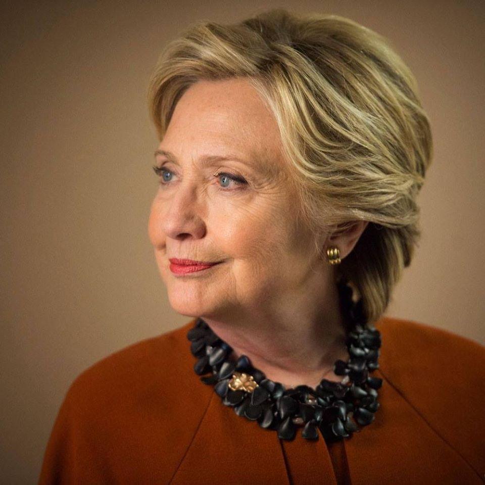 Ya es posible tomar un café con Hillary Clinton gracias a Sotheby's