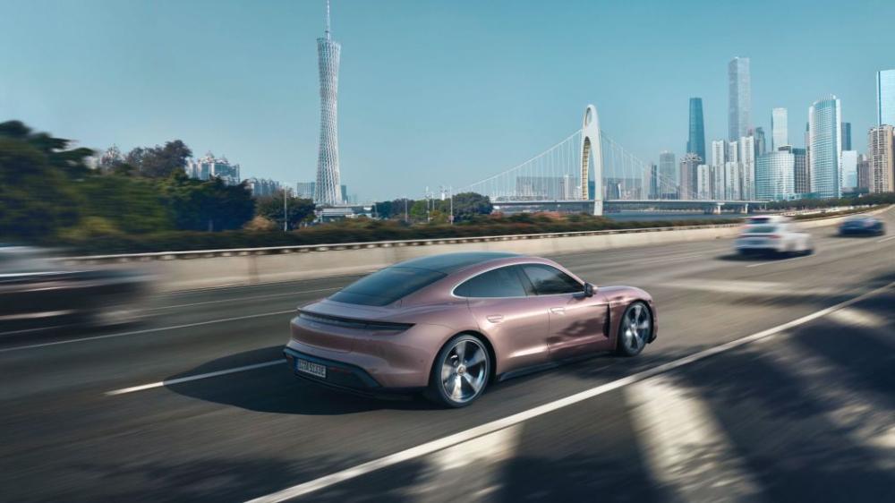 Porsche lanza una versión más accesible del Taycan, te decimos en dónde estará disponible