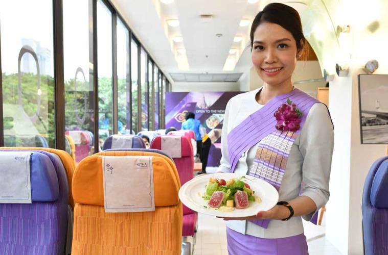 Thai Airways inaugura un restaurante que sirve comida de avión de primera clase