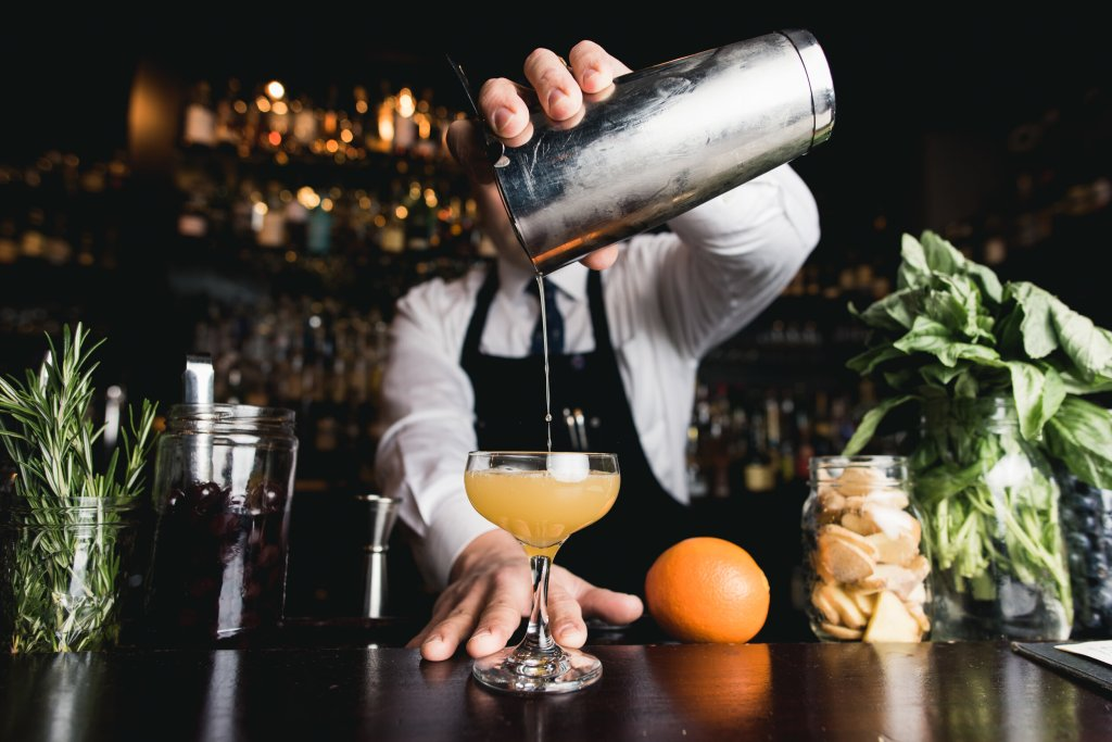 bartender barman