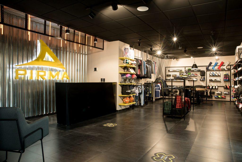 Cita previa y sana distancia forman parte del nuevo showroom de PIRMA