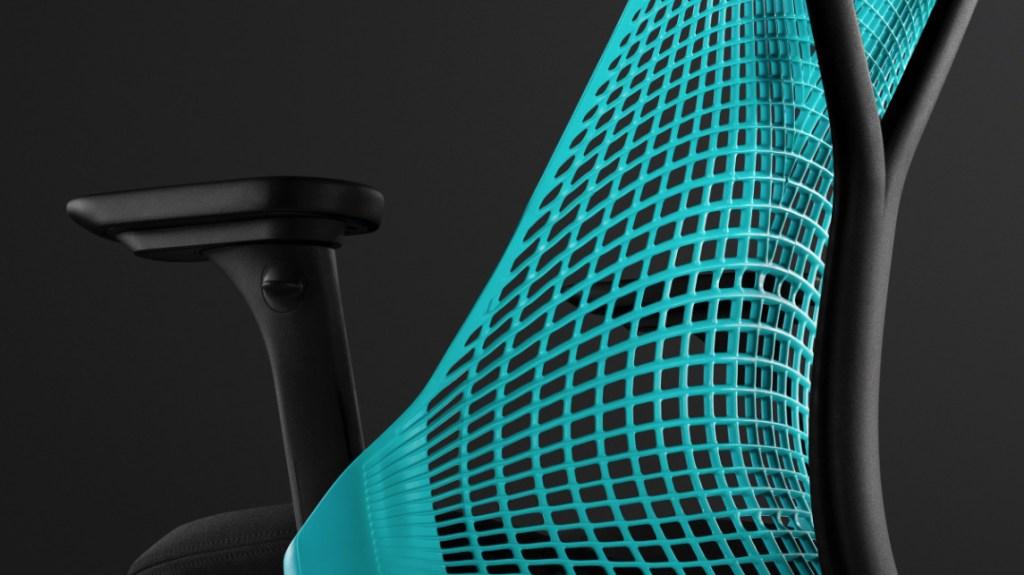 Herman Miller regresa con versión gamer de la silla Sayl, inspirada en el Golden Gate