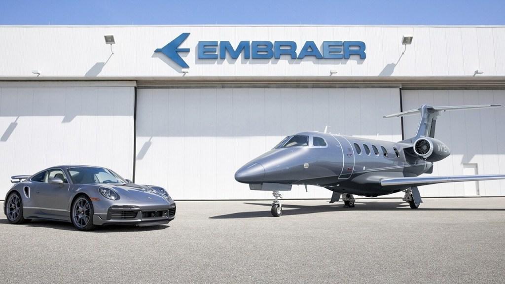 Hablando de ofertas, Embraer te regala un Porsche 911 Turbo S al comprar un jet privado