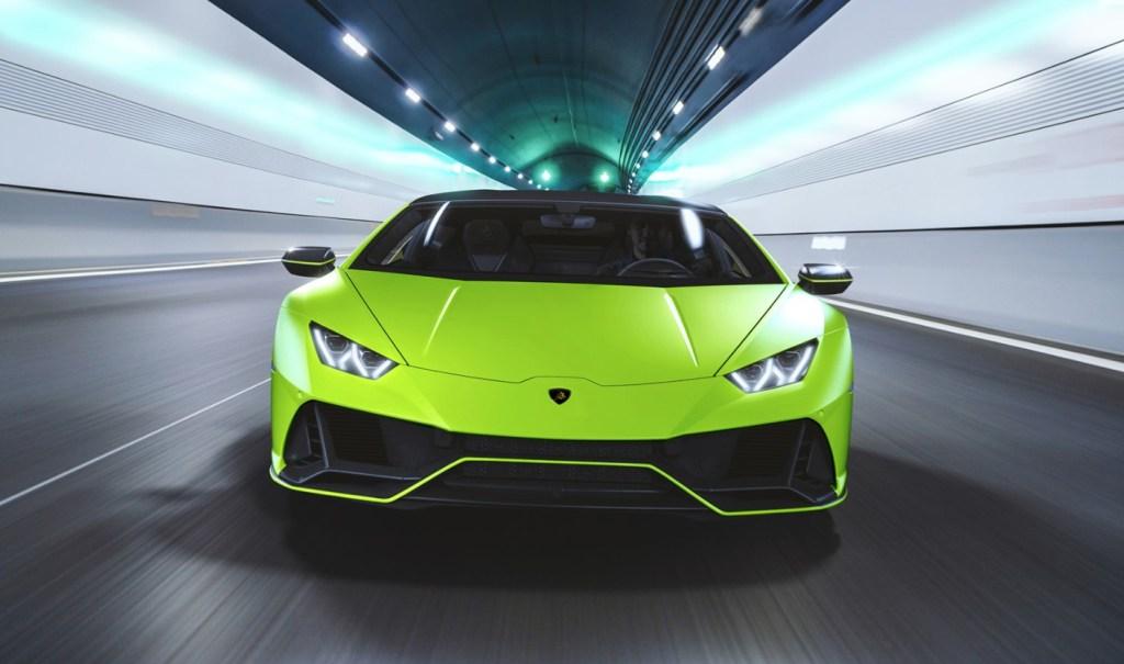 Lamborghini Huracan EVO Fluo Capsule: deslúmbrate con un V10 a todo color!