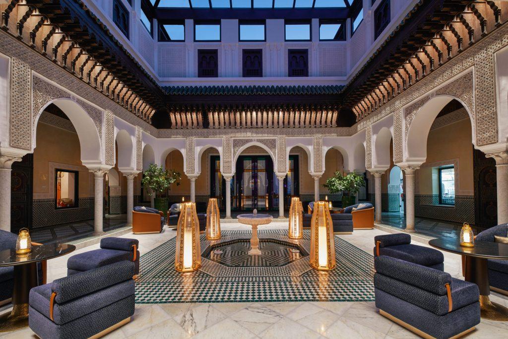 Conoce La Mamounia, el impresionante hotel que alberga una trattoria y una experiencia enológica underground