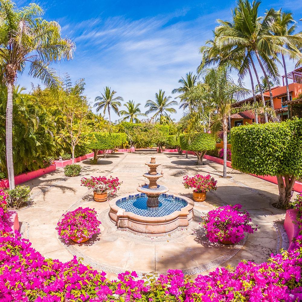 El paraíso sí existe, se llama Las Alamandas y esto es todo de lo que vas a disfrutar en sus instalaciones