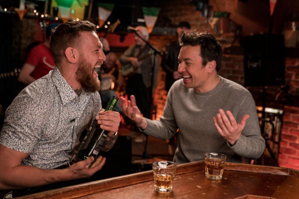 Conor McGregor vende su marca de whisky, Proper No. Twelve, y su fortuna se multiplica