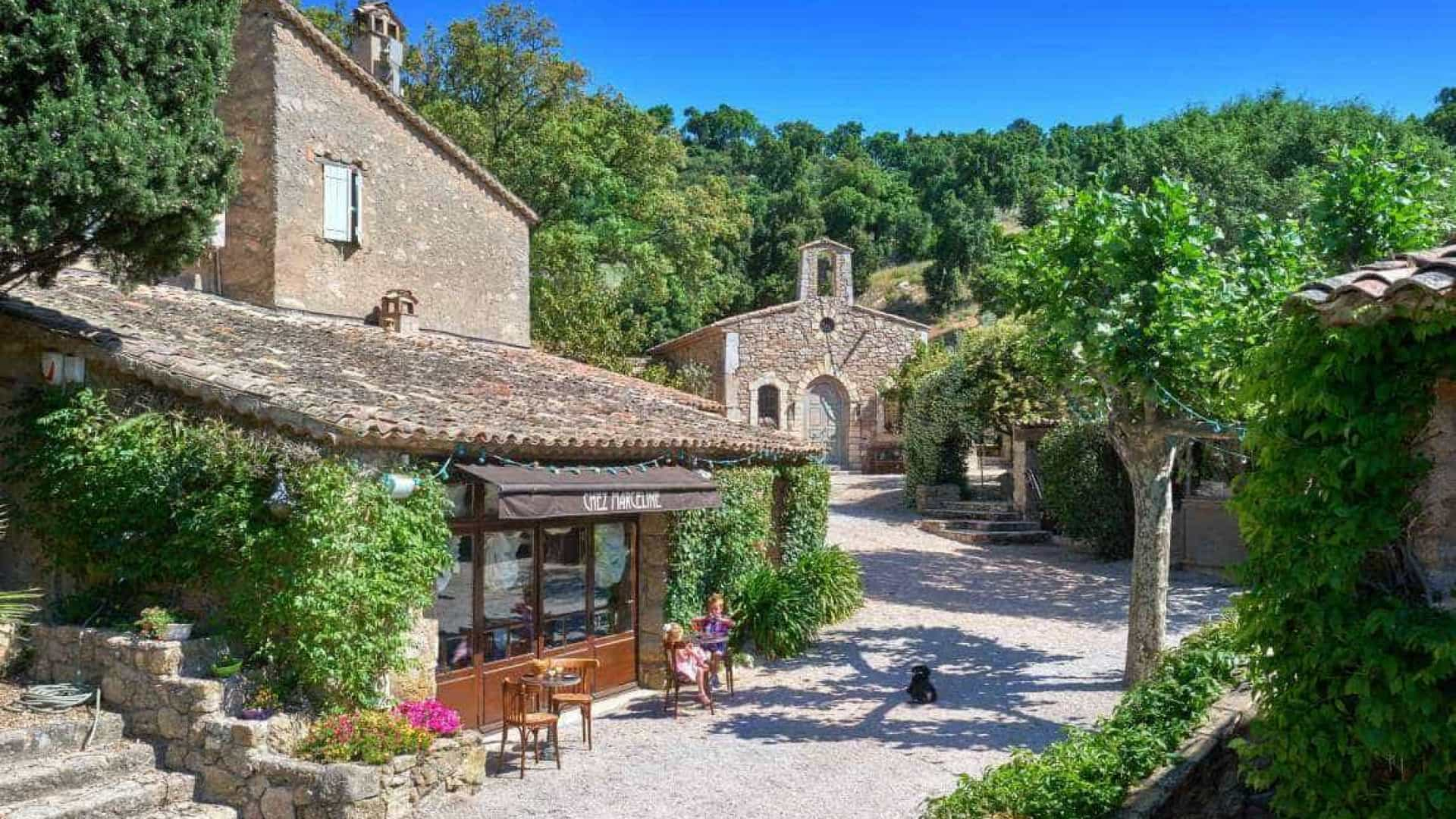 Johnny Depp está vendiendo su pequeña villa francesa por sólo 55 milones de dólares