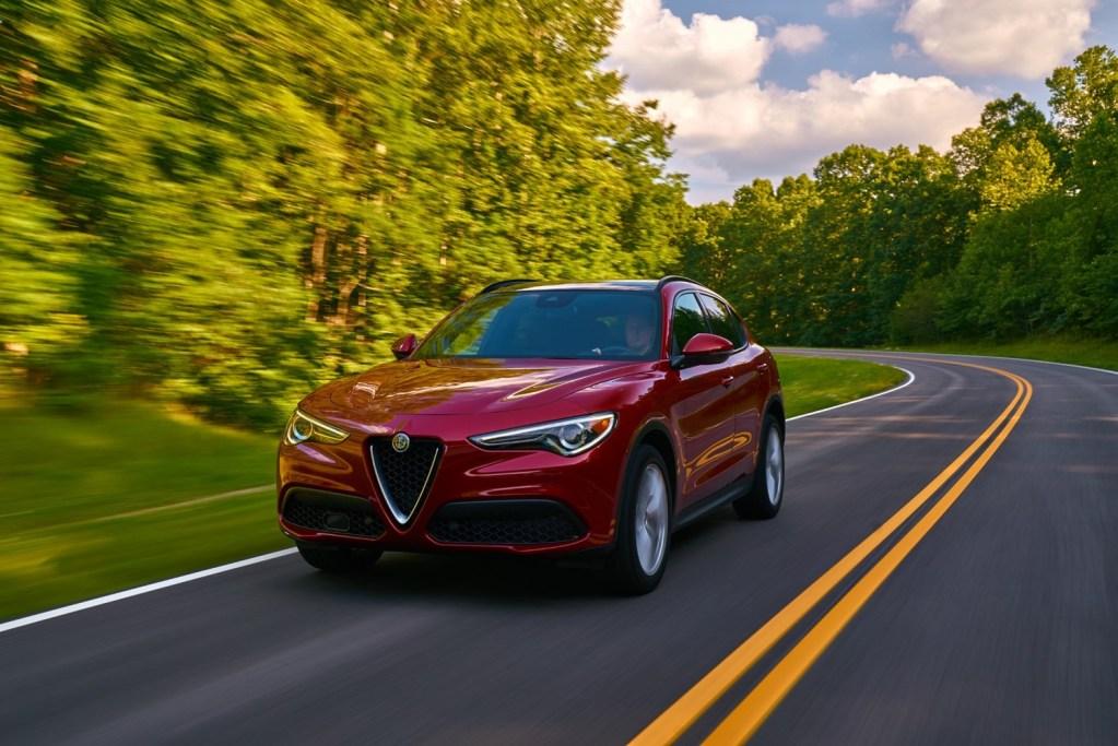 Alfa Romeo presenta sus nuevos Giulia y Stelvio Lusso, y tienen todo el estilo italiano que esperábamos