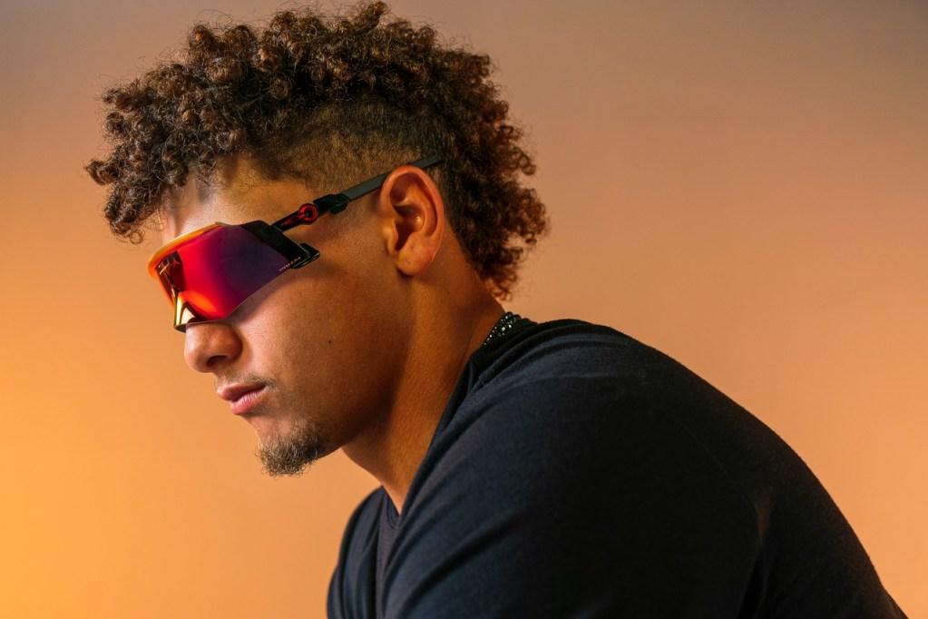 Kato, las gafas sin marco más revolucionarias de Oakley, fueron probadas por Patrick Mahomes
