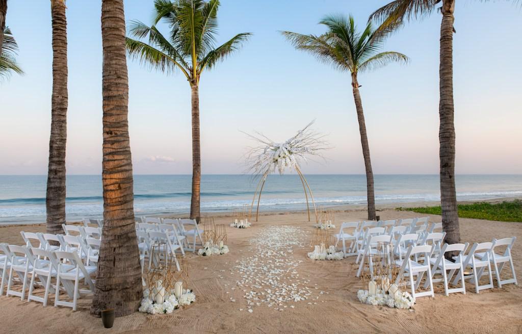Say I DO! Ten la boda en la playa de tus sueños en este hotel paradisíaco de Punta de Mita