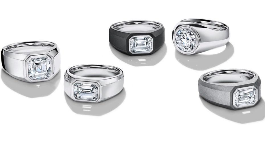 Tiffany & Co. lanza el primer anillo de compromiso, con diamante, para hombres