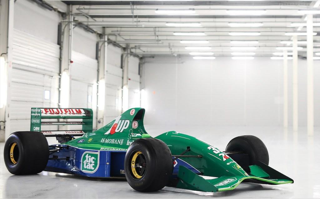 El primer F1 con el que comenzó la leyenda de Michael Schumacher puede ser tuyo